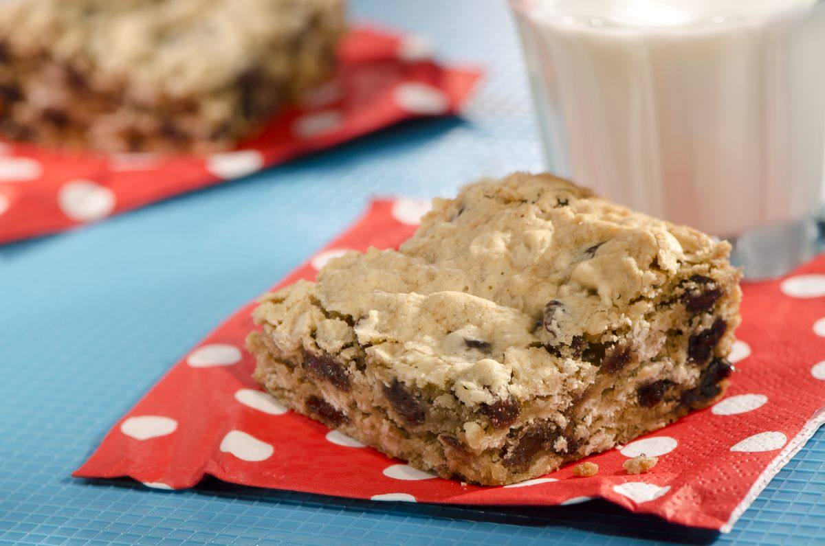 recipe image Oatmeal Cookie Bars