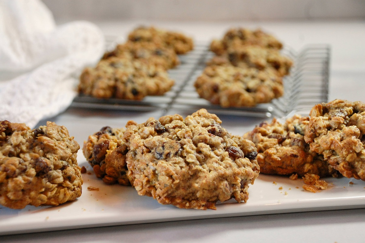 recipe image Grandma Frankie's Oatmeal Raisin Cookies