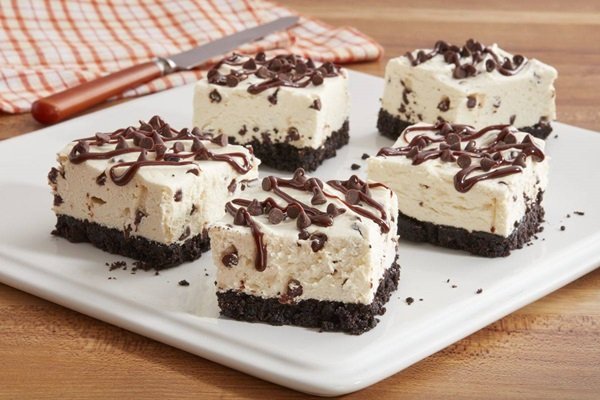 recipe image No-Bake Mini Chocolate Chip Cheesecake Bars