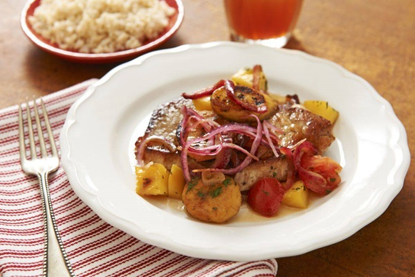 recipe image Pork with Plantains, Tomatoes & Mango